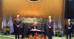 DPM Thapa signs Paris Agreement